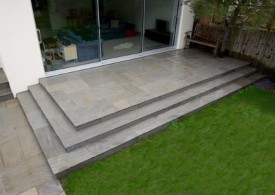 kandla_grey_indian_sandstone_infinite_paving_3__1_1